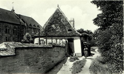 Ansicht auf dem Höpperle mit Turmhäuschen des Turms am Höpperle
