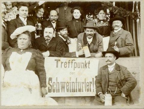 ca. 1905 - Danke für das Foto an Herrn Volker Winter! - Im Bild rechts unten: Gustav Kirchner