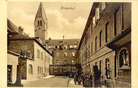 Benediktiner-Seminar; Innenhof St. Ludwig