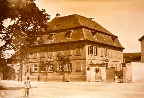 Ehemaliges Gasthaus Goldenes Lamm am Marktplatz, wurde im 2. Weltkrieg durch Bomben zerstört