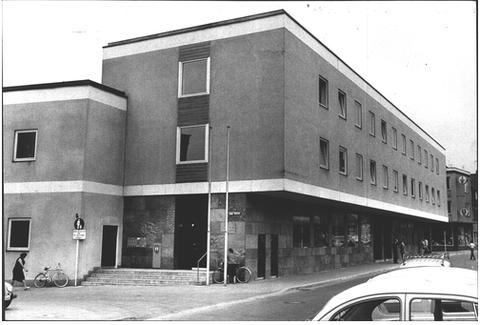 Postgebäude - neu erbaut...