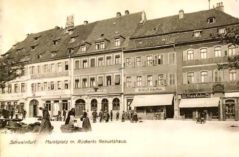 Mittig die Adler-Apotheke um 1910/11