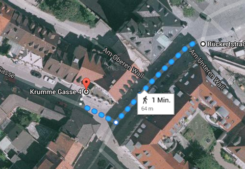 Oberirdischer Weg zwischen den beiden Anwesen