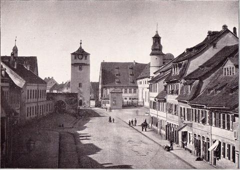 Spitaltor und rechts Spitalkirche