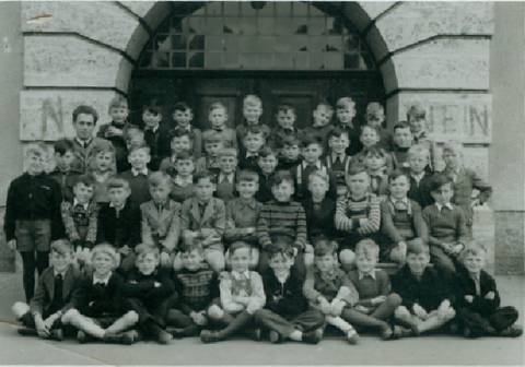1.Klasse 1951, Lehrer Herr Treutwein  Schillerschule - Danke an Jürgen Endres