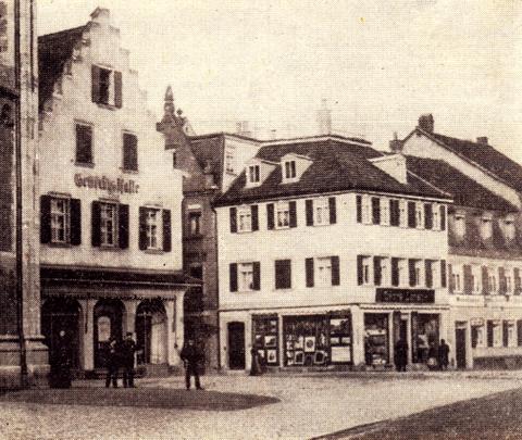 ca. 1910-1912; Gewerbehalle an der Schultesstraße, rechts neben der Hl. Geist-Kirche
