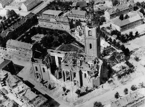 Die zerstörte Kilianskirche