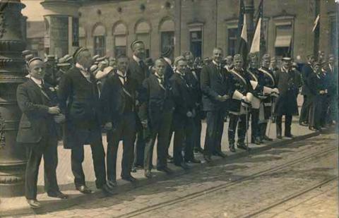 Schweinfurter Studenten beim Königsbesuch in Schweinfurt - 2. Mai 1917