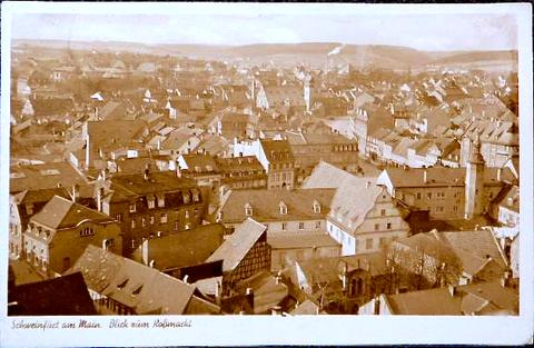 Gegengesetzter Blick zum Roßmarkt; im Vordergrund die jüdische Synagoge ca. 1936