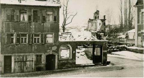 """Einmündung """"Neue Gasse"""" nach Bombenangriff - ca. 1944 - Danke an die Familie Mangold"""
