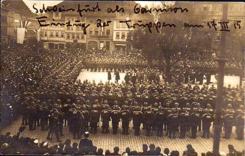 Schweinfurt -Marktplatz - Einzug der Truppen 17.3.1915