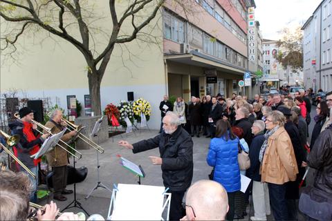 Die Einweihungs- und Gedenkfeier am 9.11.2013