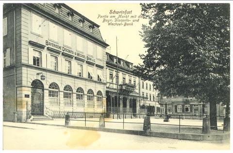 rechts  Gaststätte Brauhaus