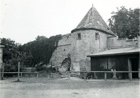 Außenansicht des Turms am Höpperle - Foto: Stadtarchiv