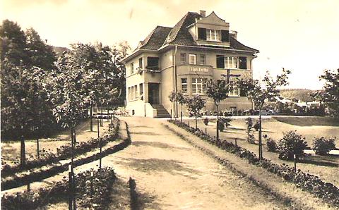 Puschkinstraße 13- Archiv F.E. Reich