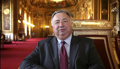 Monsieur Gérard LARCHER le Président du Sénat (voir site  www.maisonnonconforme.fr)