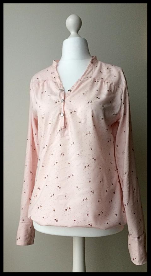 Die erste Bluse / my first shirt...