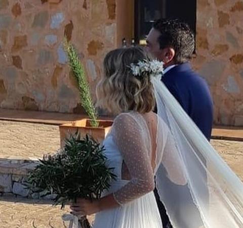 novia con melena de pelo corto