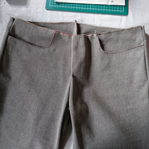 Ufo 2 - tailored pants from tailoring camp © GriseldaK 2019