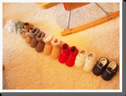 正統派ファミリア2足、UGGのブーツ2足、手作り2足、エルメス、ディオールルームシューズetc...  履く期間は短いけれど、つい内にこもってしまうのでかわいい靴をエンジンに、沢山お出かけしようと思います^^