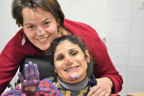 Volontaire longue durée Foyer Anta Akhi- jeunes-sourire