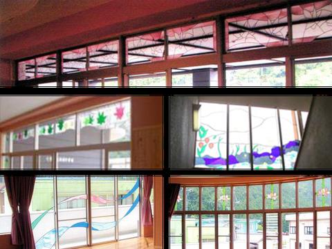 中学校のステンドグラス