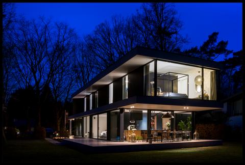Fotografils - Ilse Wagemakers - Essen- Fotograaf - Decospot - architectuur - blauwe uurtje