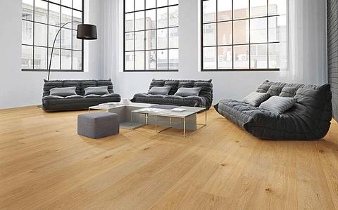 Holzboden renovieren für Gewerbeflächen in Hamburg, Niedersachsen und Schleswig-Holstein
