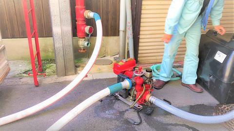 動力消防ポンプにて配管内に充水