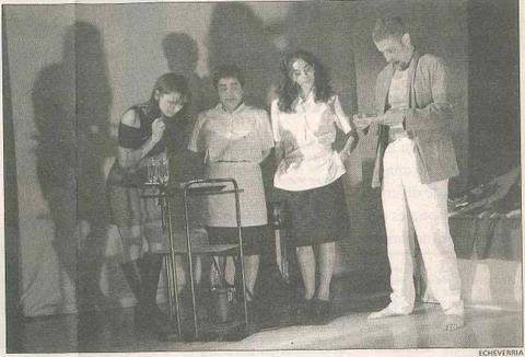 Se izquierda a derecha, Bárbara Zabalegui, Luci Echávarri, Silvia de Toro y Roberto Larrión, en el ensayo general.