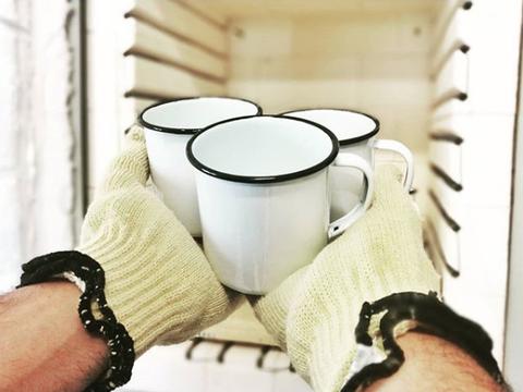 tazas acero esmaltado RETROPOT enamelware tableware custom enamelenamel mug cup made in Spain clasicas vajilla personalizada camplife campmug