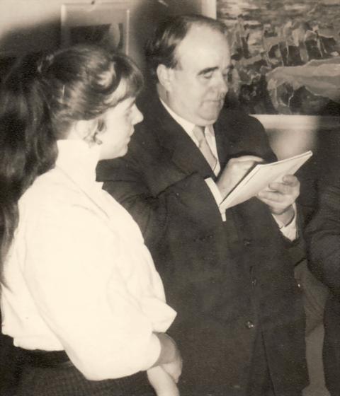 Erwin Bowien mit seiner Meisterschülerin Bettina Heinen-Ayech im Jahr 1955