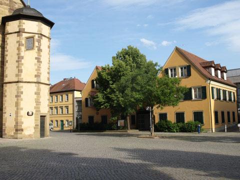Das Gunnar-Wester-Haus neben der Johanniskirche am Martin-Luther-Platz