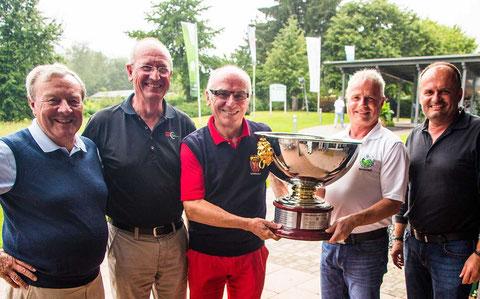 Freundschafts-Cup der Herrengolfer aus Freudenstadt, Königsfeld und Niederreutin. Foto Rainer Sturm stormpic.de
