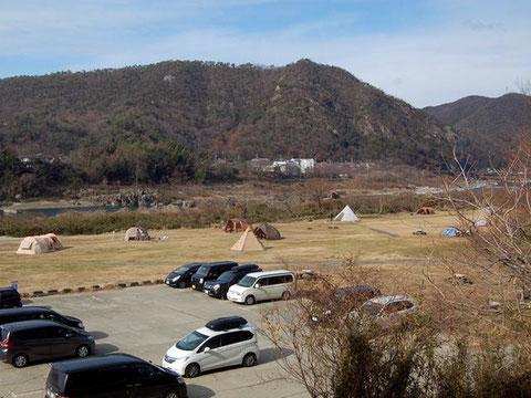 駐車場も無料の栗栖園地。マナー良く利用したい