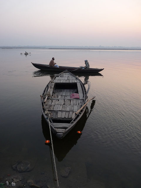 A still Grange in Gange stills