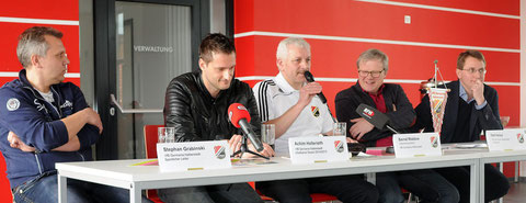 Stephan Grabinski, Achim Hollerieth, Bernd Waldow, Präsident Olaf Herbst, Manager Christian Mokosch (v.l.)