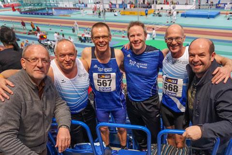 Trainer und Sportler, die sich gemeinsam über die Erfolge freuen: v.l.: Hammerwurftrainer Werner Niehaus, Hans Wewering, Reiner Heweling, Christian Dangelmaier, Tom Ketelaer und Trainer Roman Buhl.