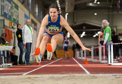 """Klaudia Kaczmarek ist im """"Anflug"""" auf ihren 7. NRW-Dreisprungtitel in Folge."""