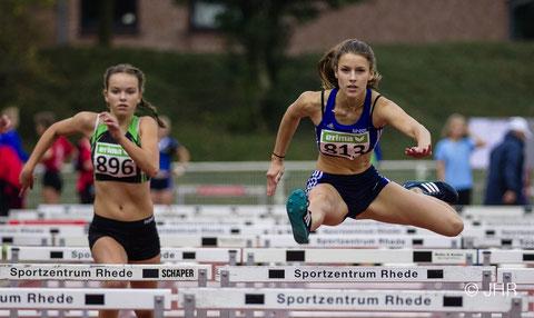 Jamira Lauf (rechts) startet bei den U16-Meisterschaften über die 300-m-Hürden und in der 4x100-m-Staffel. (Foto: Jan-Hendrik Ridder)