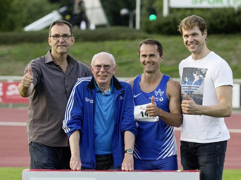 Generationenstaffel: Auch die Trainer liefen unter 11 Sekuden:  v.l.  Jürgen Palm PB 10,98s, Mecky Emmerich 10,7  allerdings kein Vergleich zu den Spitzensprintern:  Alexander Kosenkow 10,14 und Daniel Schnelting 10,34.