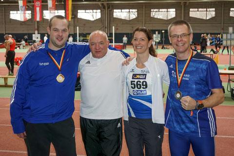 Das Foto von Roman Buhl zeigt von links:  Michael Garbert, Hans Wewering, Sabrina Priebe-Bäumer und Reiner Heweling.