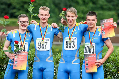 Bronze für eine starke Teamleistung: Magnus Wilms, Henry Vißer, Michel Boeck und Simon Heweling (v.l.) liefen in 42,59 Sekunden als Dritte über die Ziellinie.