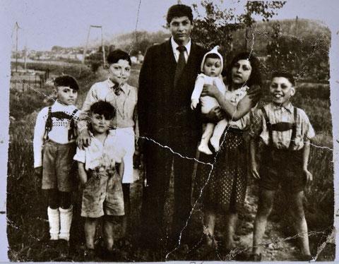 Kinder von Maria Theresia R. auf dem Neckardamm in Sonntagskleidung, 60er-Jahre, links R. R., Foto: privat, alle Rechte vorbehalten!