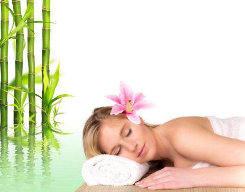 entspanntes Nachruhen nach einer Top Massage im Institut Wohlgemuth Linz