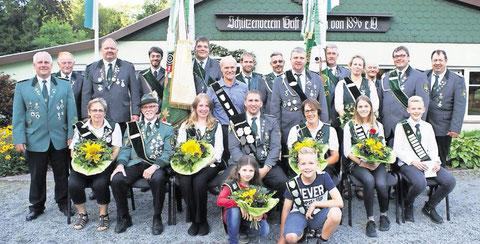 Freude bei den neuen Schützenmajestäten in Wingst-Grift. Foto: Jäger