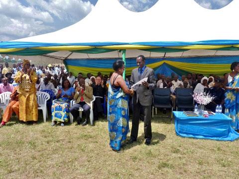 2012 Ehrung von Gira Impuhwe e.V.