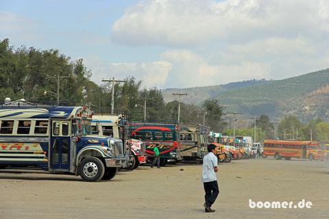"""Die """"Ruß-Flotte"""" Guatemalas"""