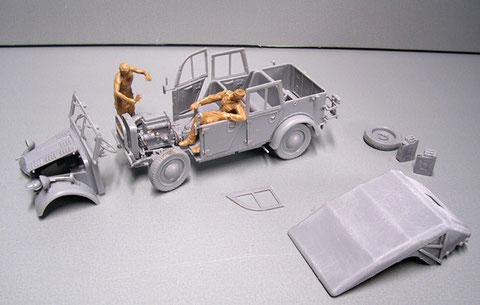 Zu besseren Bemalung sind hier noch Motorhaube und Chassis getrennt.
