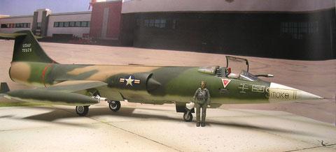 F-104 C als Jäger der USAF mit Betankungssonde und Sidewinder-Bewaffnung